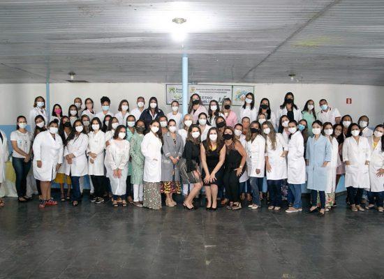 Enfermeiros Departamento da Atenção Básica foram vacinados durante evento na Usemi