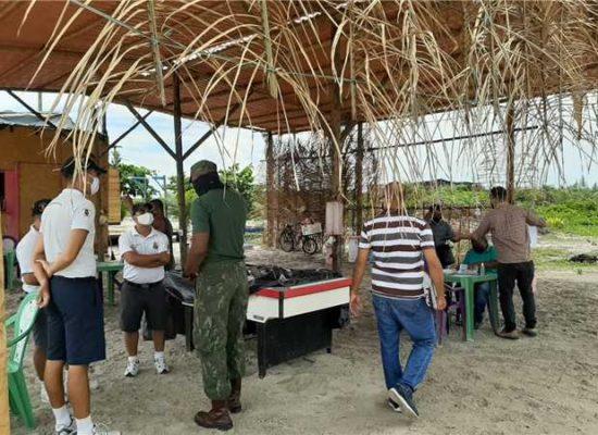 Prefeitura realiza ação conjunta para remover barracas irregulares na orla norte de Ilhéus