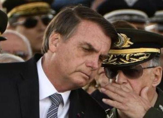 """""""Temos liberdade ainda"""", mas """"tudo pode mudar"""", afirma Bolsonaro"""