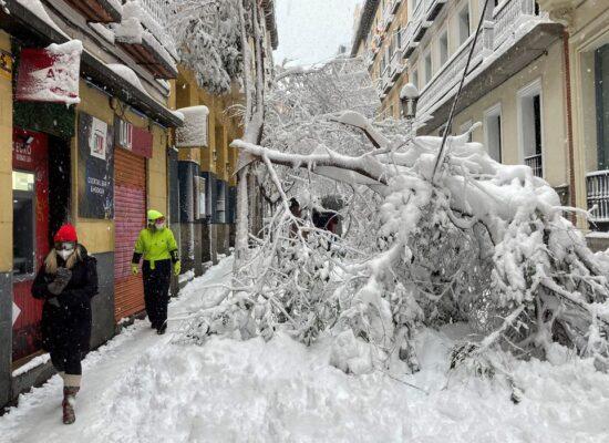 Tempestade de neve provoca três mortes na Espanha