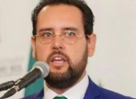 Deputado do PSL é acusado de reformar casa da sogra com verba pública