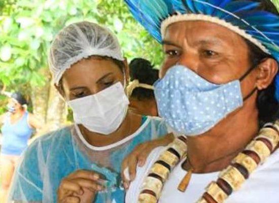 Ilhéus vacinou 7.424 pessoas contra a Covid-19, informa Sesau
