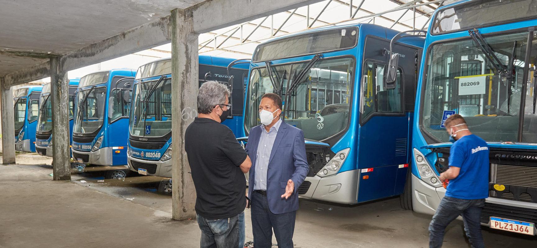 Resultado de imagem para Prefeito Augusto Castro anuncia retorno do transporte coletivo em Itabuna para dia 17