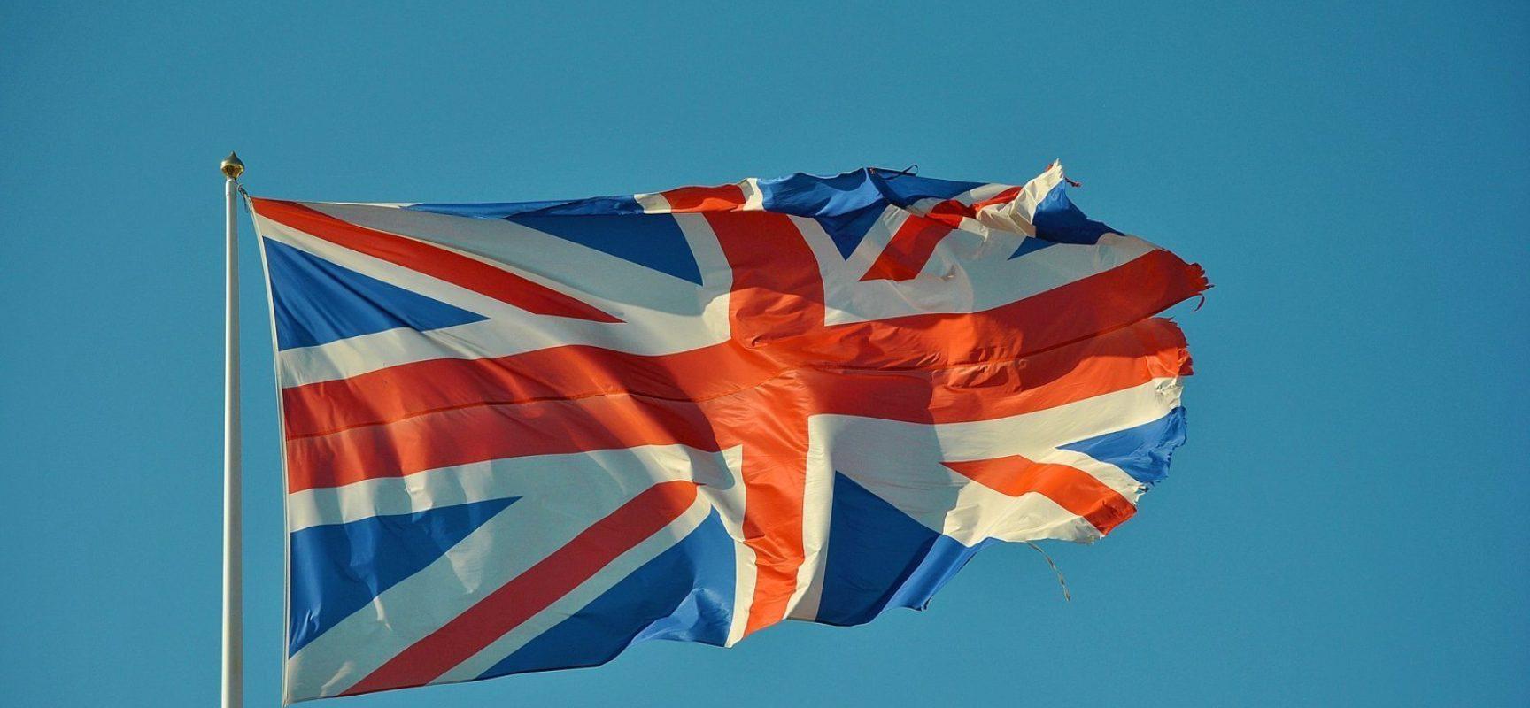 Reino Unido promete vacinar toda população contra Covid-19 até julho
