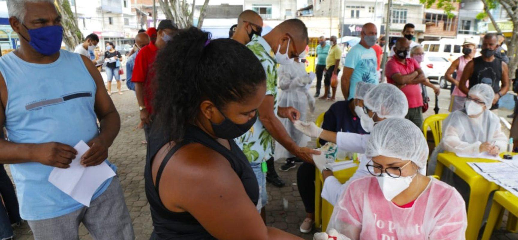 Secretaria de Saúde recomenda paciência a idosos e grupos de risco quanto à vacina contra Covid-19