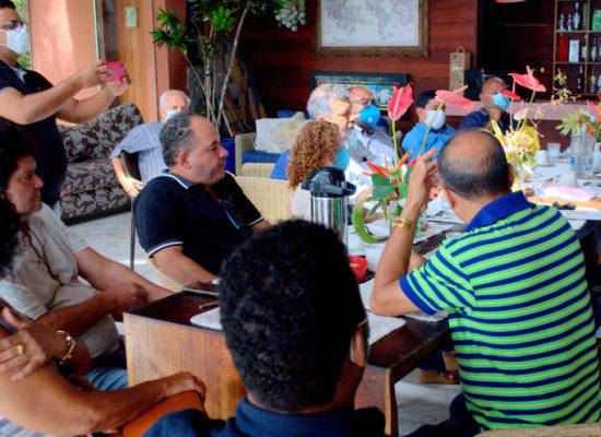 Um dia antes da abertura, vereadores se reúnem para detalhar Regimento Interno e debater a LOM