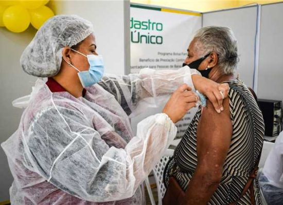 Vacinação contra Covid-19 segue em Ilhéus sem intercorrências