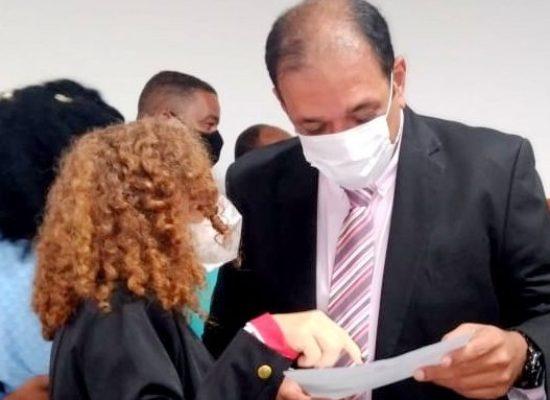 Vereadora Enilda solicita audiência ao prefeito para resolver impasse dos servidores afastados