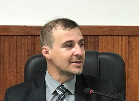 Vereador Vinícius Alcântara insere catadores de recicláveis na lista preferencial da vacina contra COVID-19