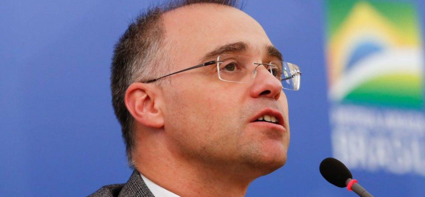 André Mendonça toma posse no cargo de advogado-geral da União
