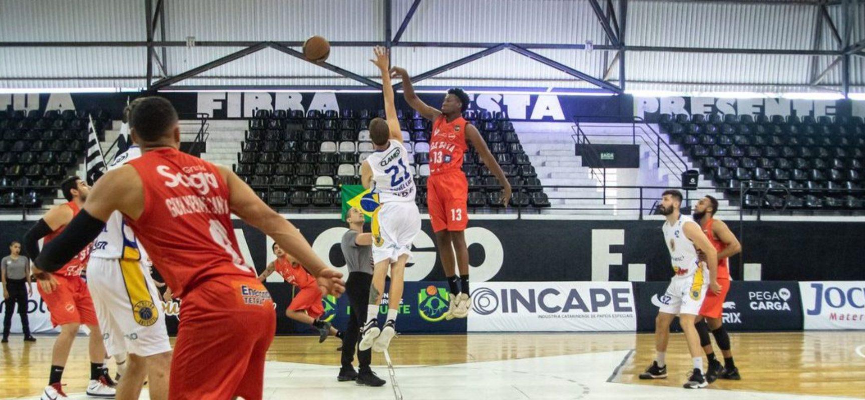 Blackstar/Unisociesc vence Vila Nova/AEGB pelo Brasileiro de basquete