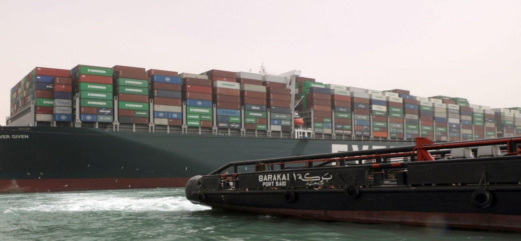 Canal de Suez: Engarrafamento já chega a 429 navios; prejuízos somam US$ 400 milhões por hora