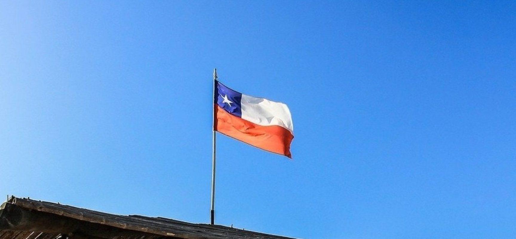 Chile impõe quarentena em hotel para quem chegar do Brasil