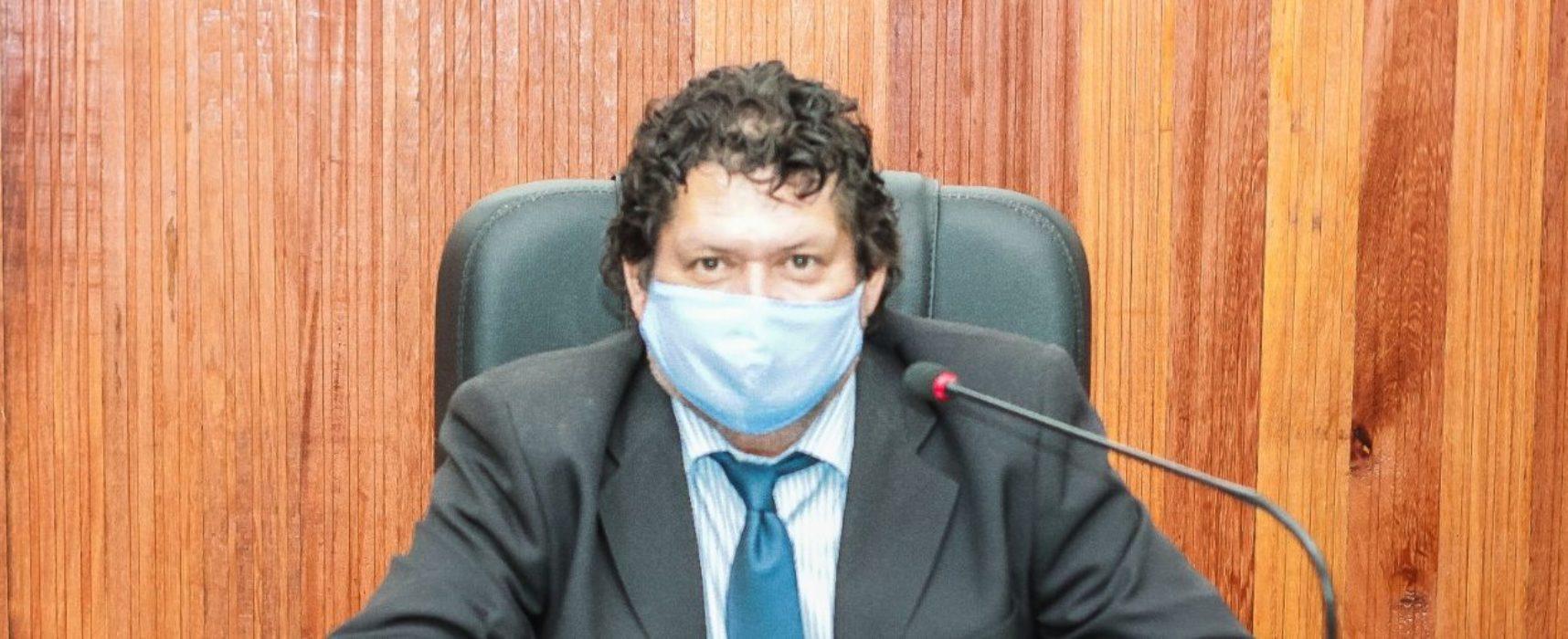 Ver. Edvaldo Gomes solicita pavimentação asfáltica e drenagem para o Banco da Vitória