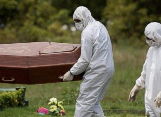 Covid-19: Brasil é o país com o maior número de mortes diárias há duas semanas