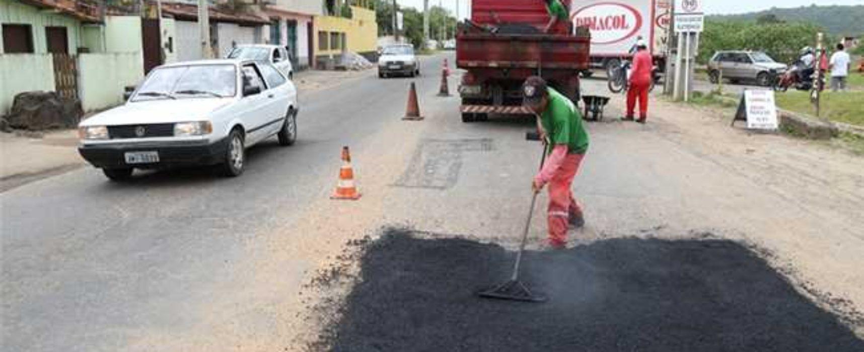 Operação tapa buracos da Prefeitura trabalha em 16 localidades de Ilhéus
