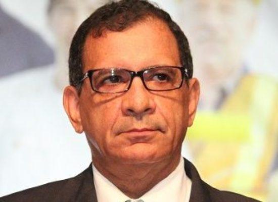 FELIZ ANIVERSÁRIO PROFESSOR JABES RIBEIRO. Uma vida dedicada a Ilhéus e a Bahia!.