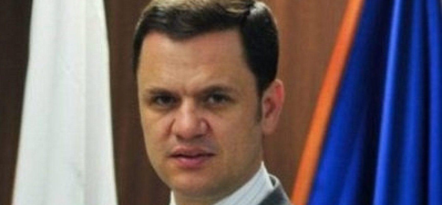Anderson Torres, ministro da Justiça, vai trocar comando da Polícia Federal