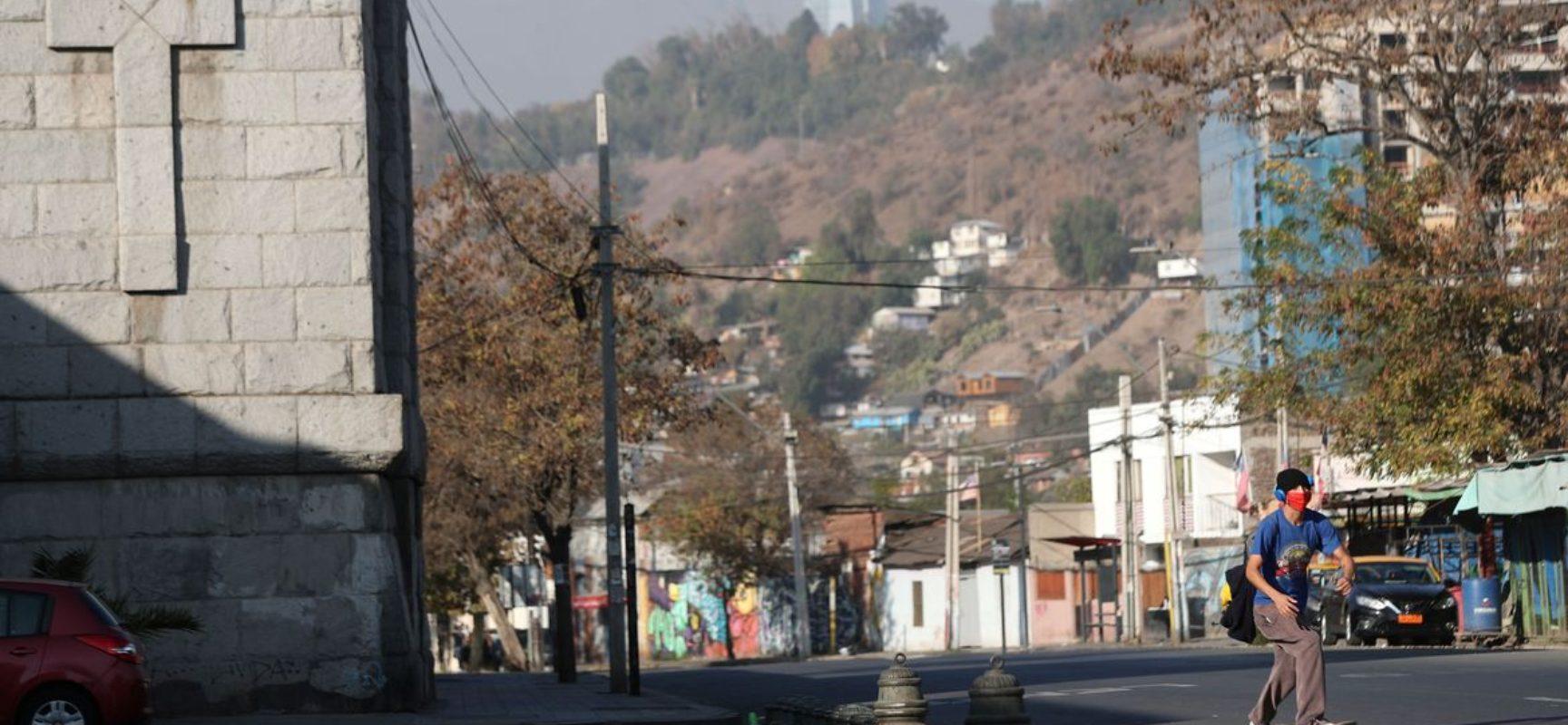 Chile chega a 1 milhão de casos de covid-19 e fecha fronteiras