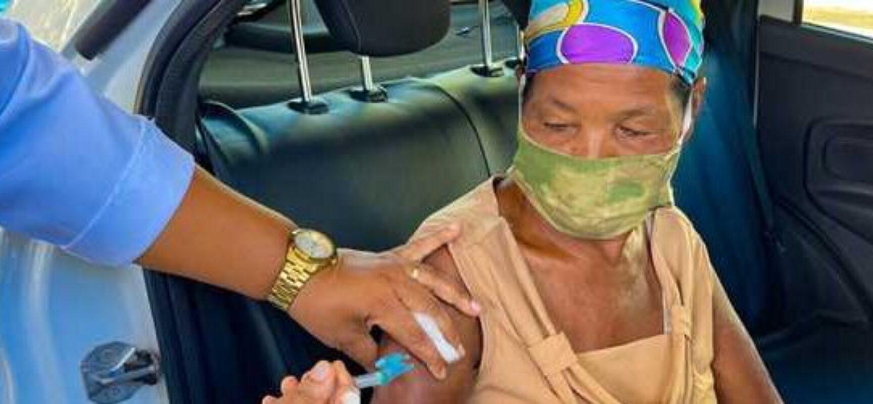 Covid-19: Ilhéus retoma drive-thru de vacinação para idosos de 61+ nesta segunda (19)