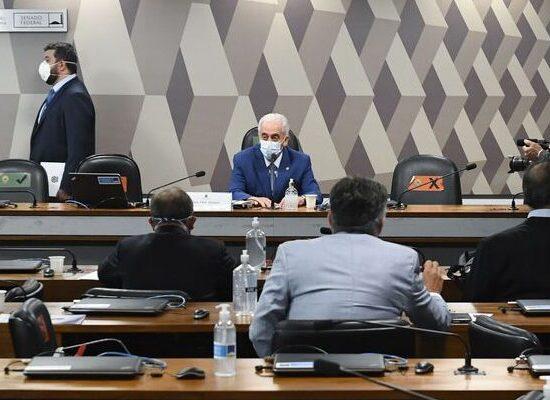 CPI quer ouvir Weintraub por suspeita de participação em gabinete paralelo