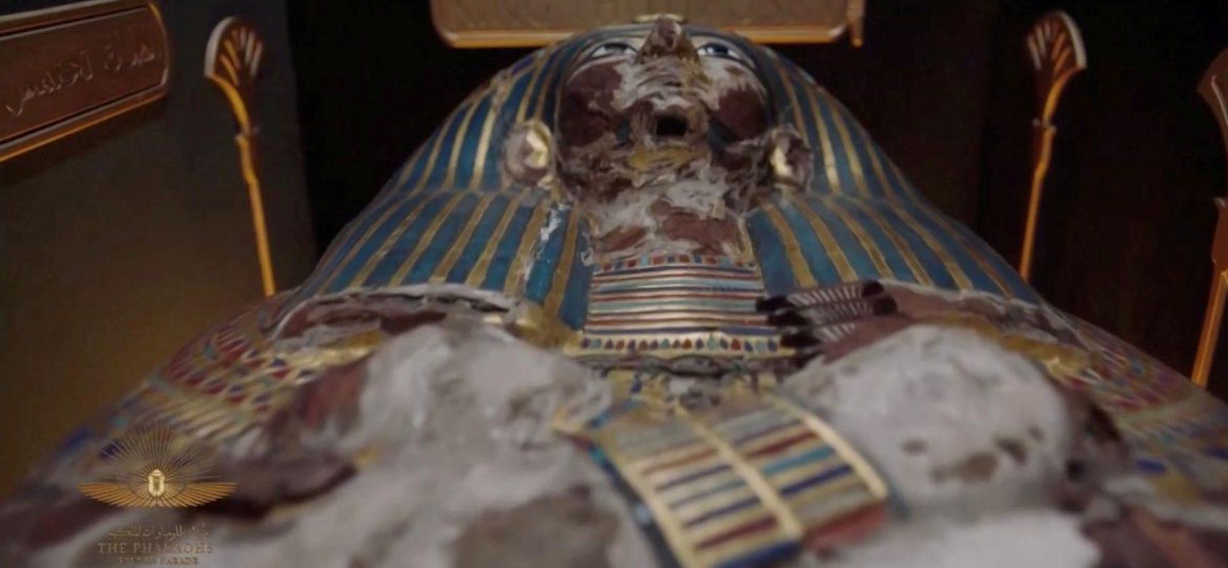 Múmias egípcias desfilaram pelo Cairo a caminho do novo museu