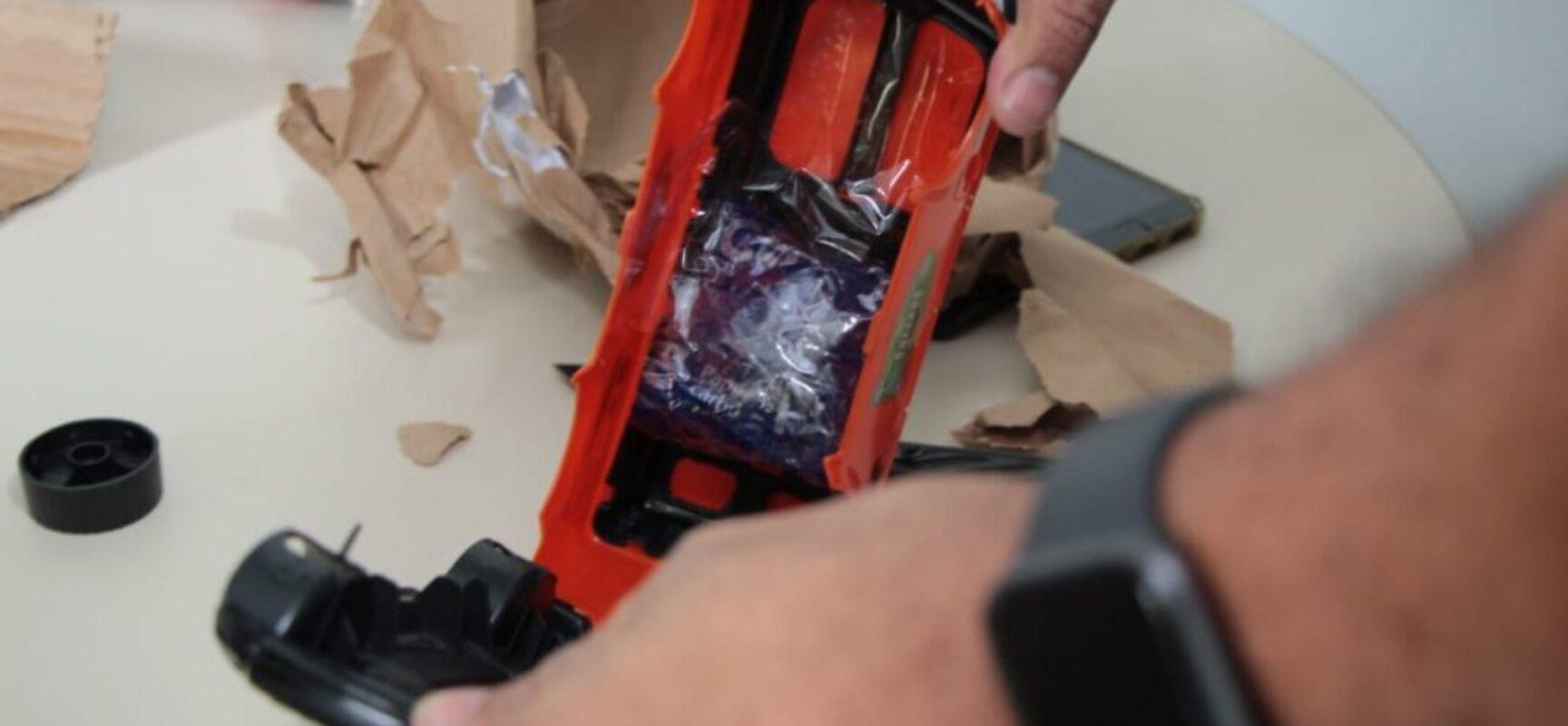 Polícia apreende 100 comprimidos de ecstasy em carrinho de brinquedo despachado pelos Correios