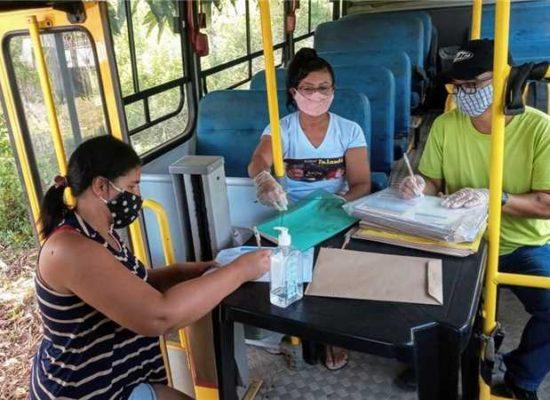Seduc entrega atividades escolares para alunos que residem na zona rural de Ilhéus