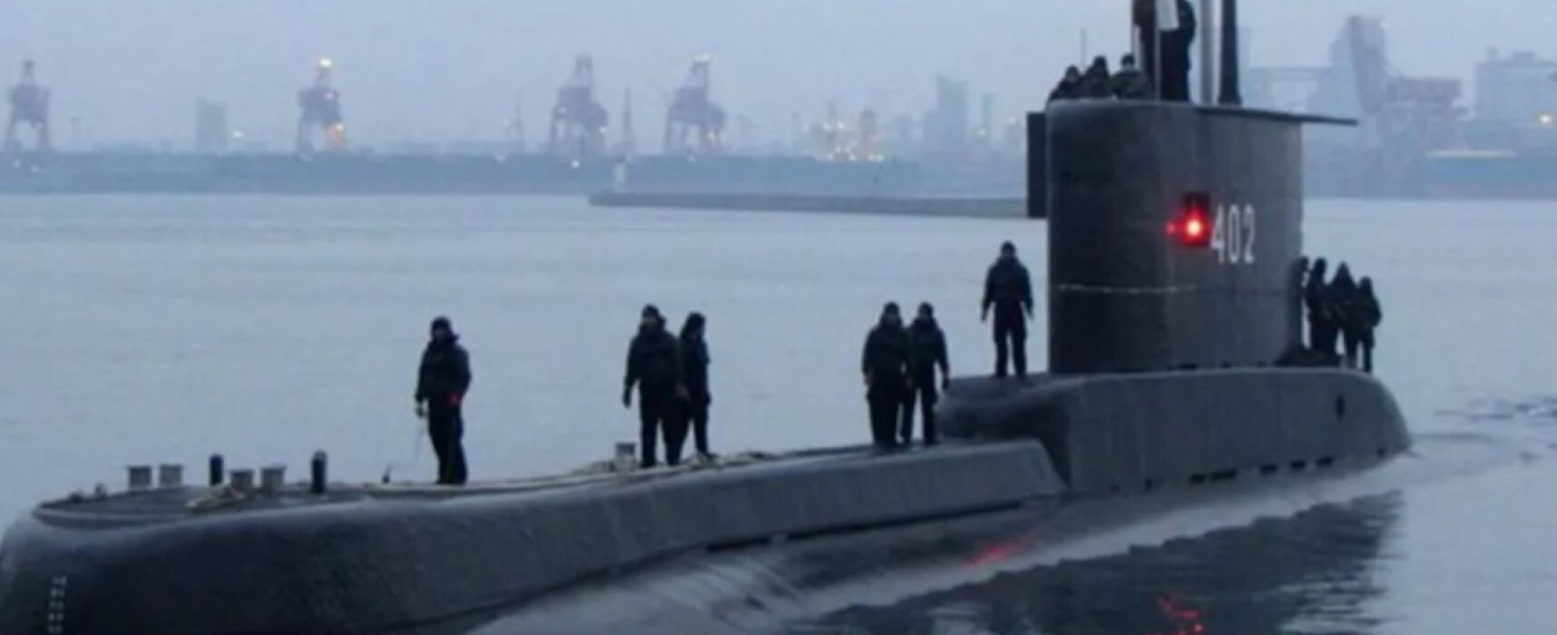 Submarino com 53 tripulantes desaparece na Indonésia