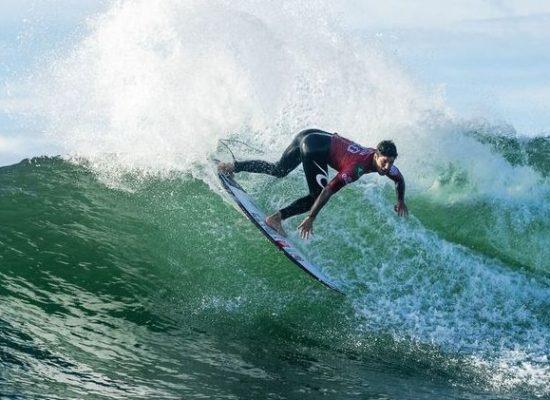 Surfe: cinco brasileiros avançam para quartas de final em Newcastle