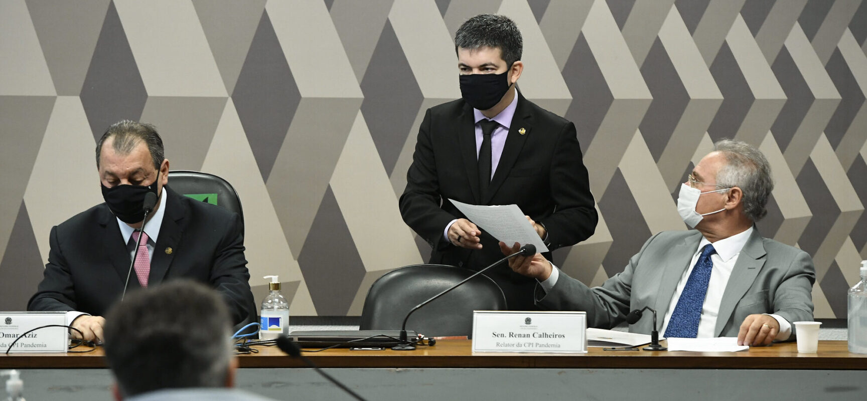 Aziz: todos os representantes da Saúde que passaram pela CPI omitiram informações