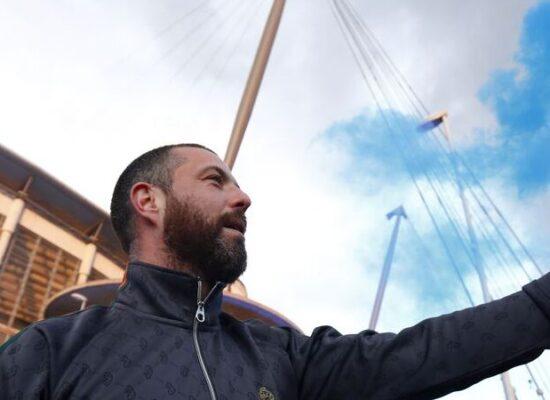 City conquista título inglês antecipadamente após derrota do United