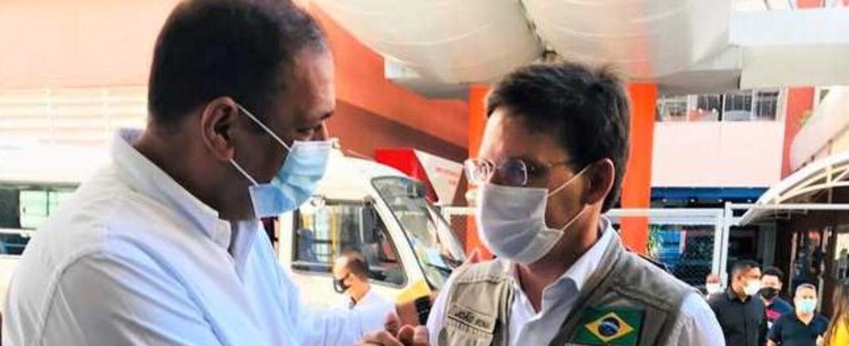 Em Salvador, prefeito recebe micro-ônibus do Ministério da Cidadania para rede socioassistencial
