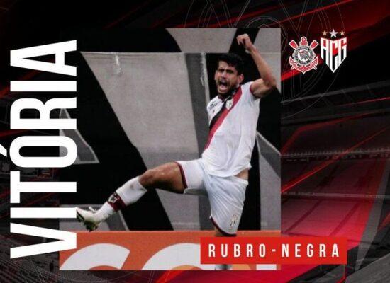 Fernando Miguel brilha e Atlético-GO bate Corinthians no Brasileiro