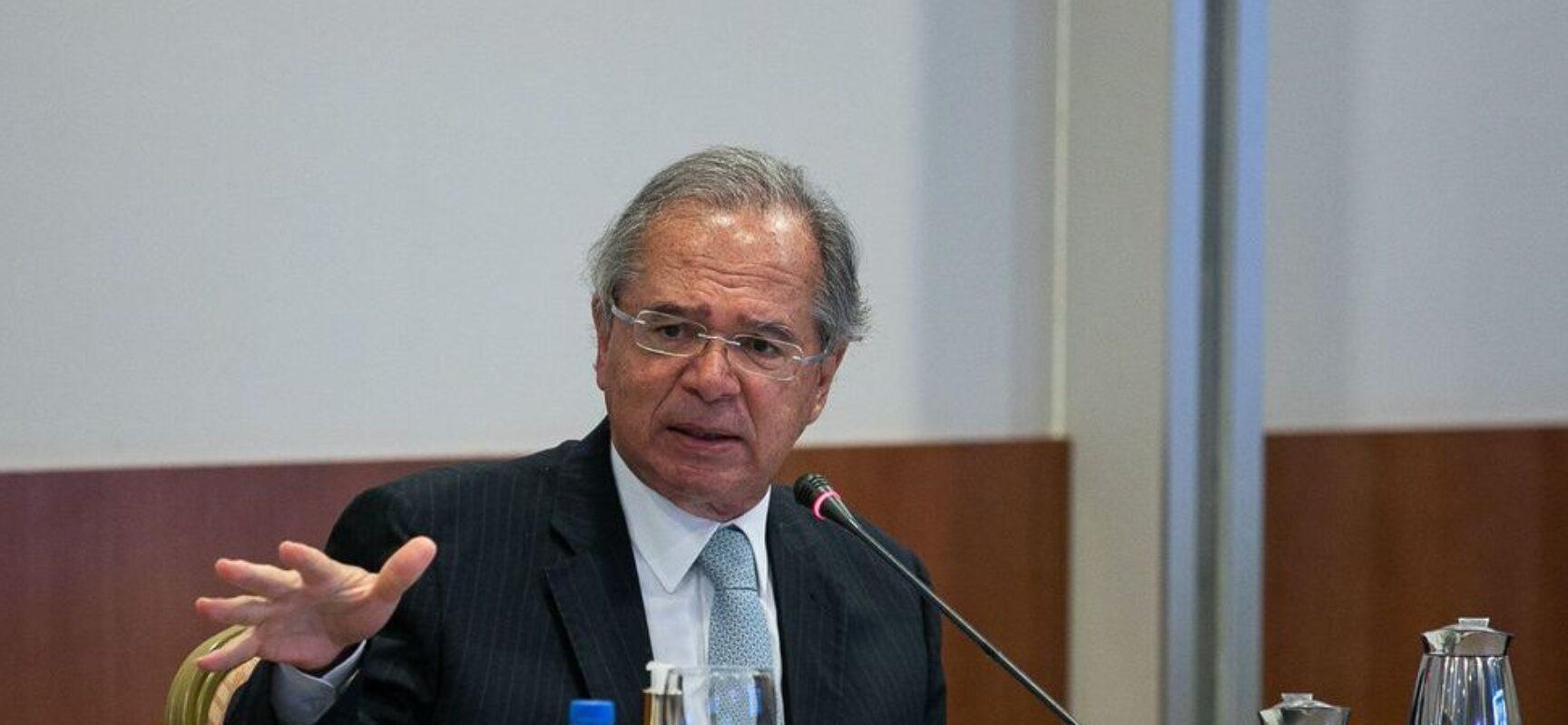 Guedes: auxílio emergencial pode ser renovado se pandemia continuar
