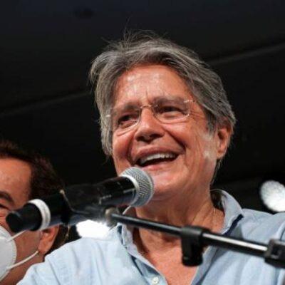 Guillermo Lasso assume presidência do Equador