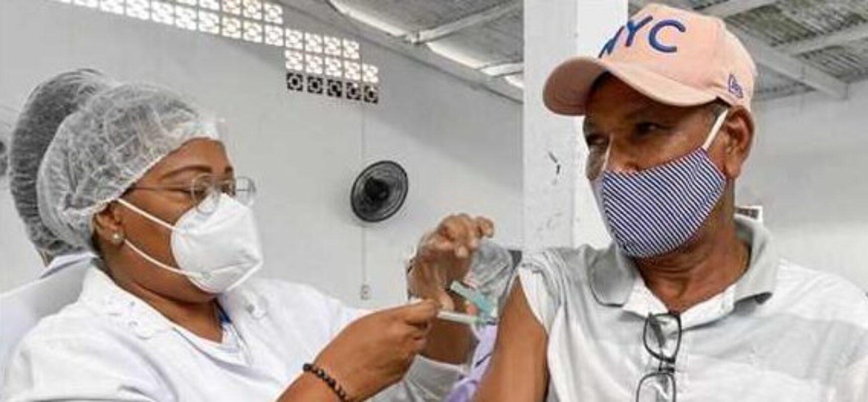 Ilhéus: Sesau já aplicou primeira dose da vacina contra a Covid-19 em mais de 30 mil pessoas