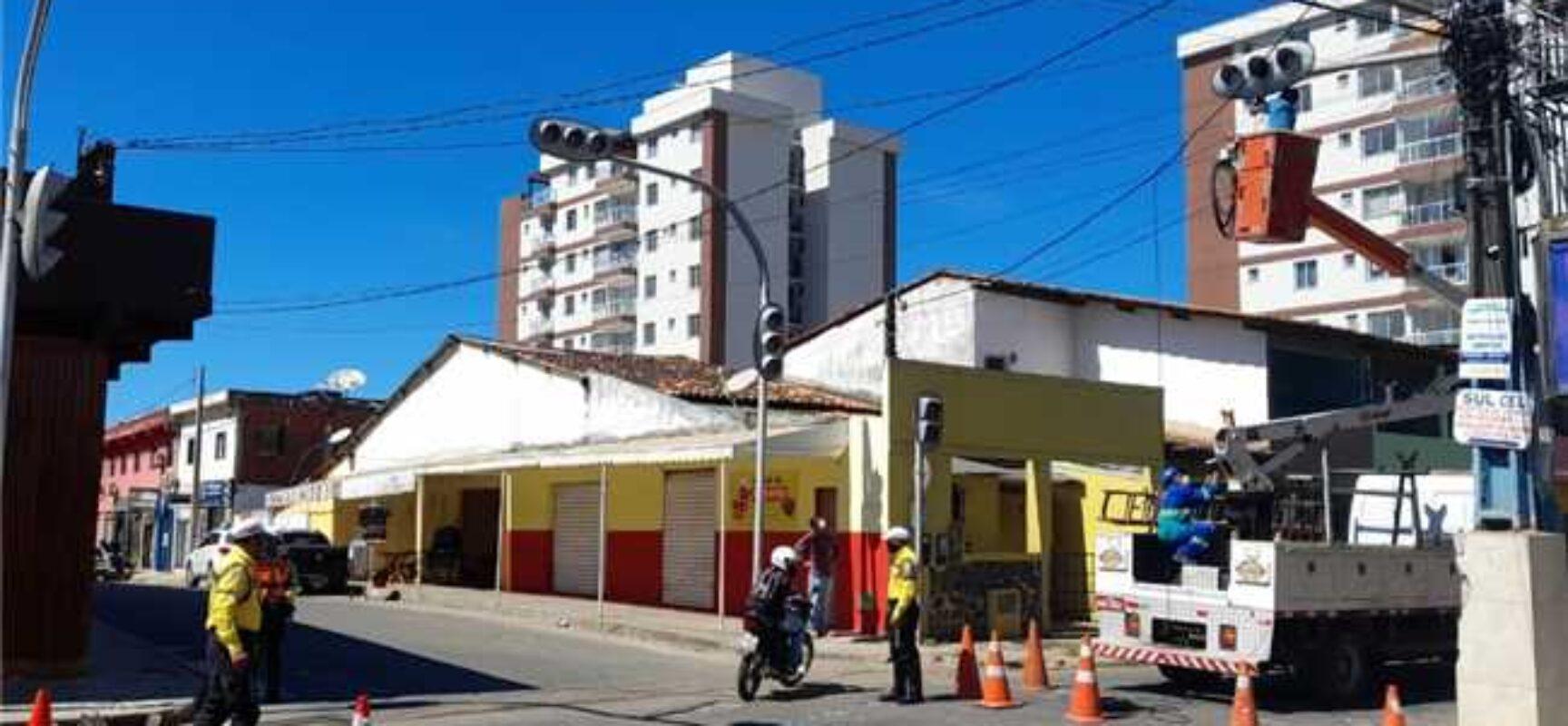 Maio Amarelo: Prefeitura realiza manutenção dos semáforos e contribui para a segurança no trânsito