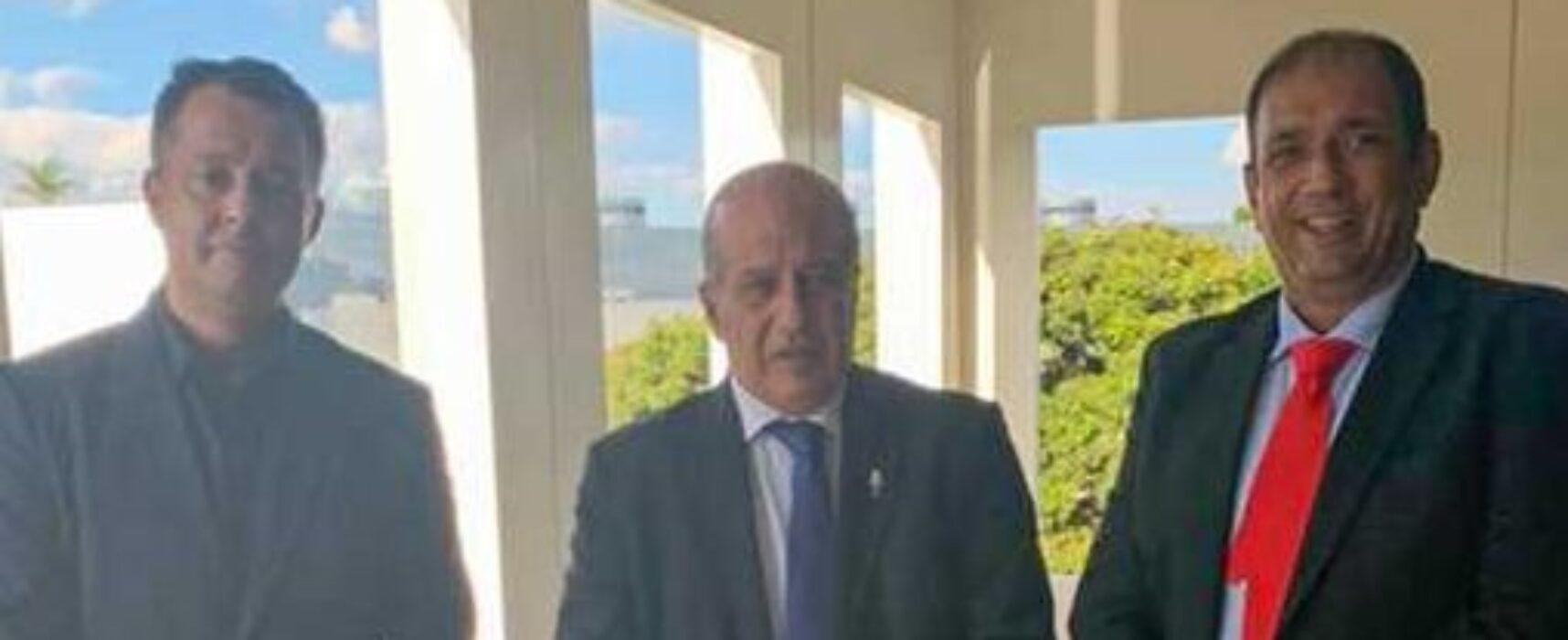 Prefeito Mário Alexandre visita TCU e convida ministro para conhecer Ilhéus