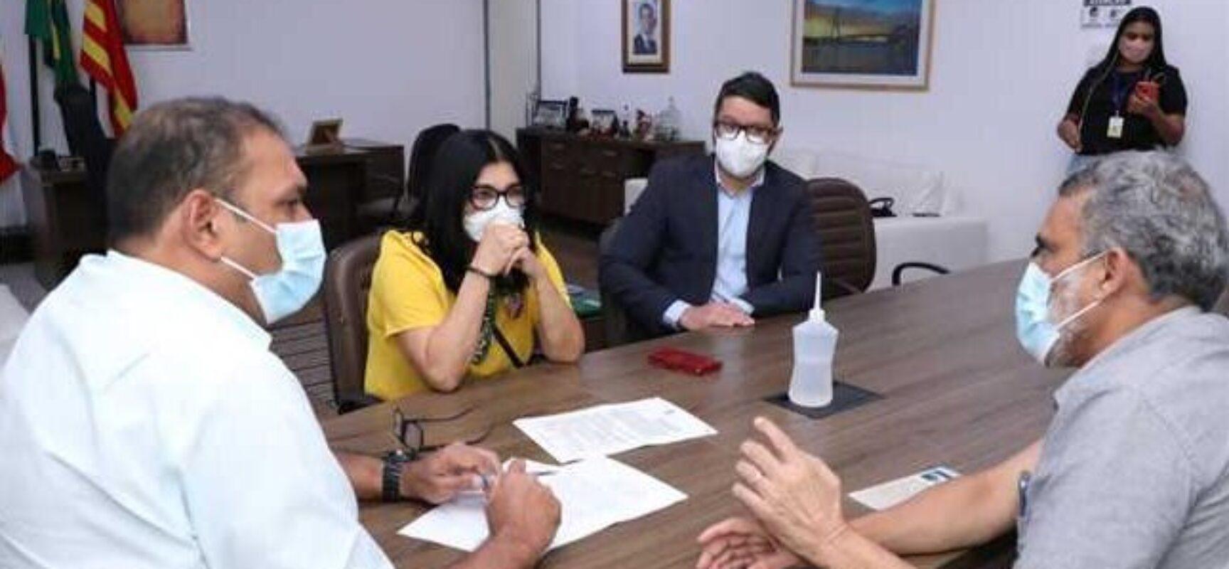 Prefeitura e Faculdade Santo Agostinho firmam parceria para implantação de residência médica