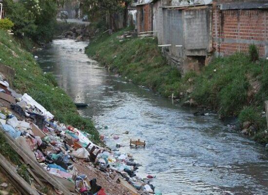 LEGISLAÇÃO: Projeto que prevê atraso no marco do saneamento preocupa setor