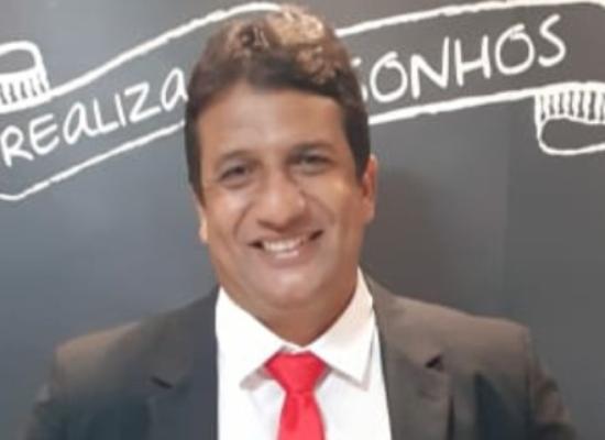 ROBERTO FERREIRA, 20 anos no setor de tributos da Prefeitura. Parabéns!