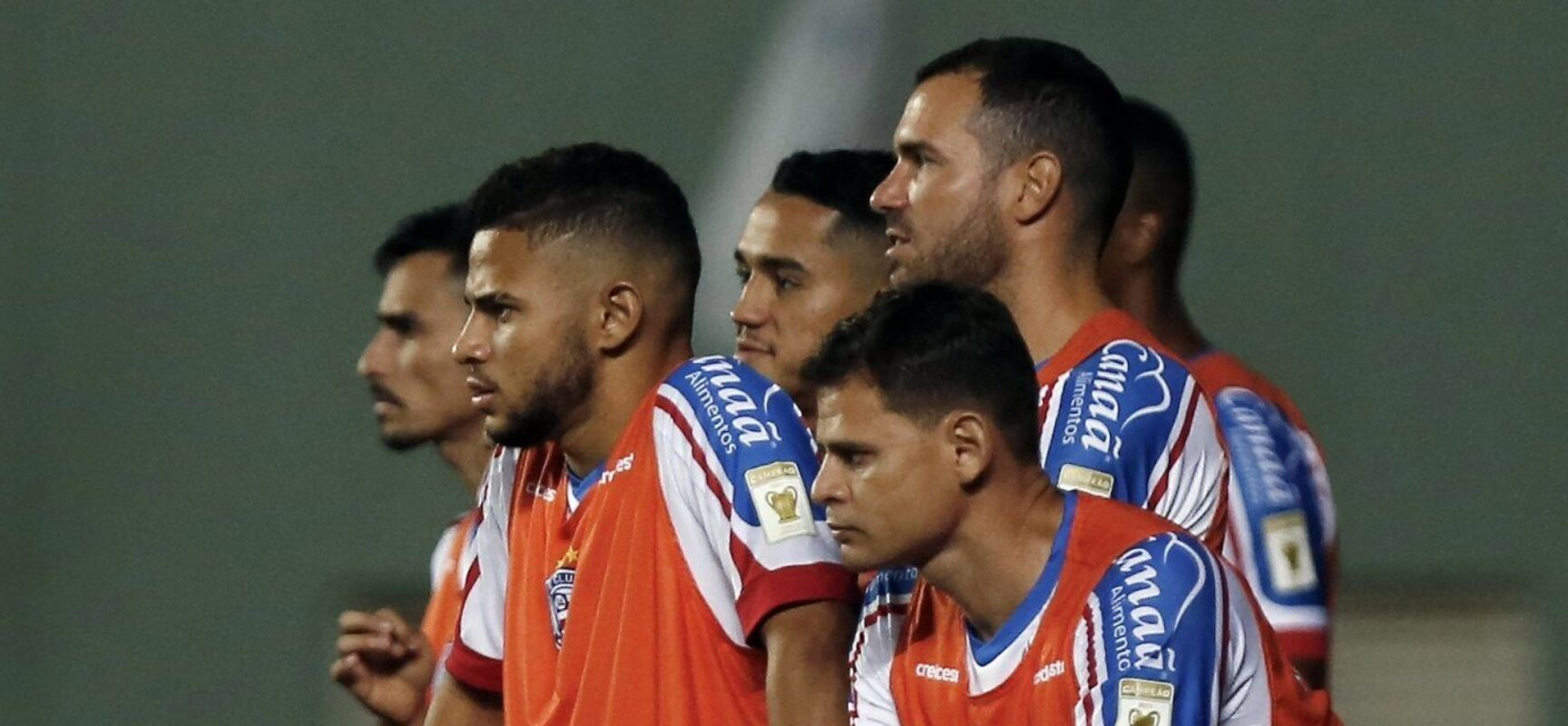 Ainda na bronca com arbitragem, Bahia volta ao palco do título contra o Ceará
