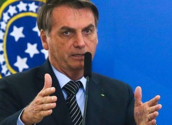 Bolsonaro sanciona lei que visa conceder R$ 5 bilhões a micro e pequenas empresas