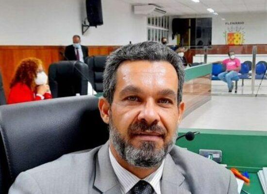 Entrevista: Vereador Luca Lima afirma que existe um plano para tirar o seu mandato