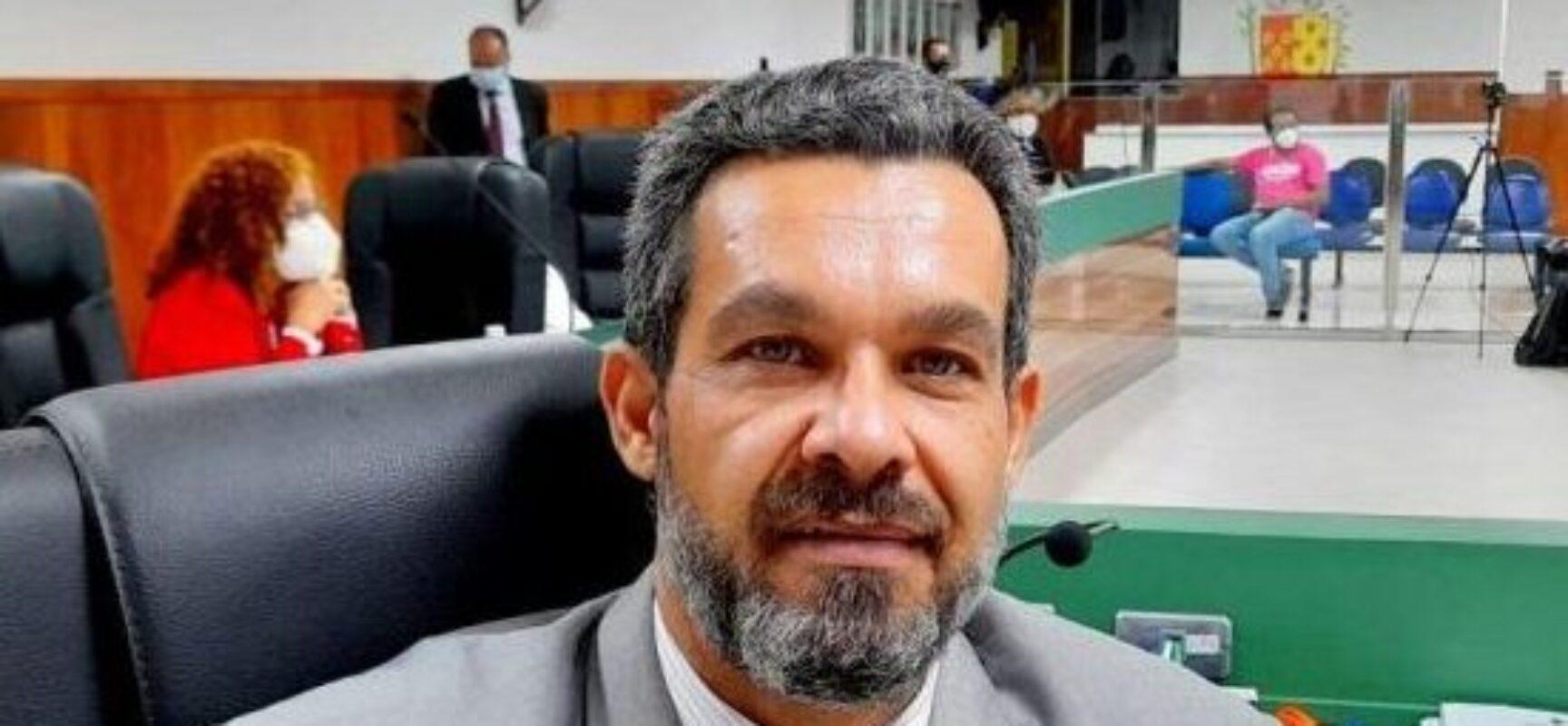 LUCA LIMA: INCORRETAMENTE COMISSÃO PROCESSANTE MANTEVE AUDIÊNCIA. ATOS ESTÃO SUSPENSOS!