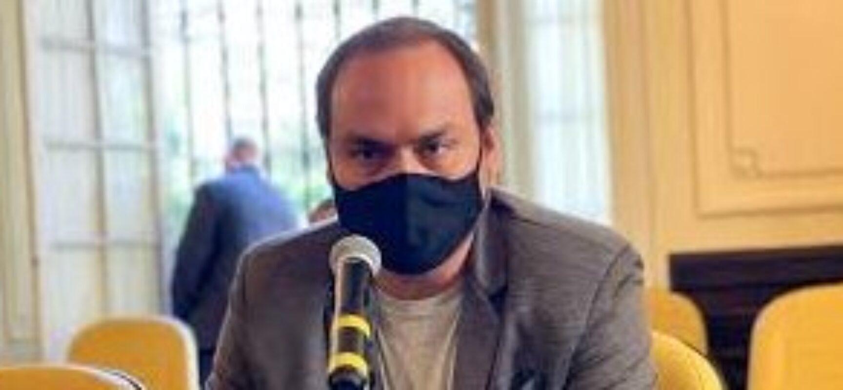 CPI da Covid pretende convocar Carlos Bolsonaro para depor