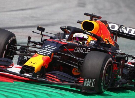 F1: Verstappen lidera treino na Áustria e Bottas assusta com derrapada