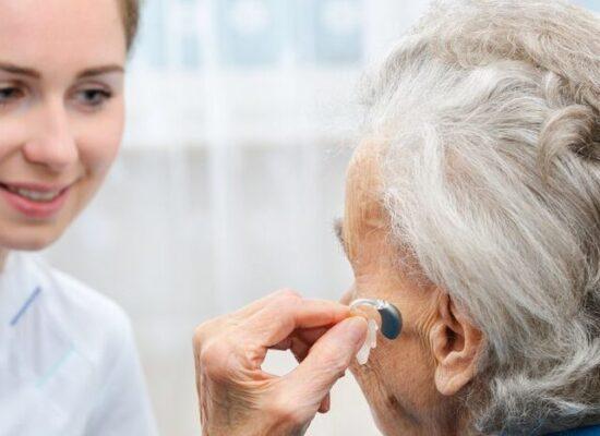 ATENÇÃO: Idosos com perda auditiva são vítimas de violência psicológica