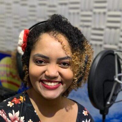 """Karol Freitas lança """"Forró Agarradinho"""" com participação especial de Targino Gondim"""